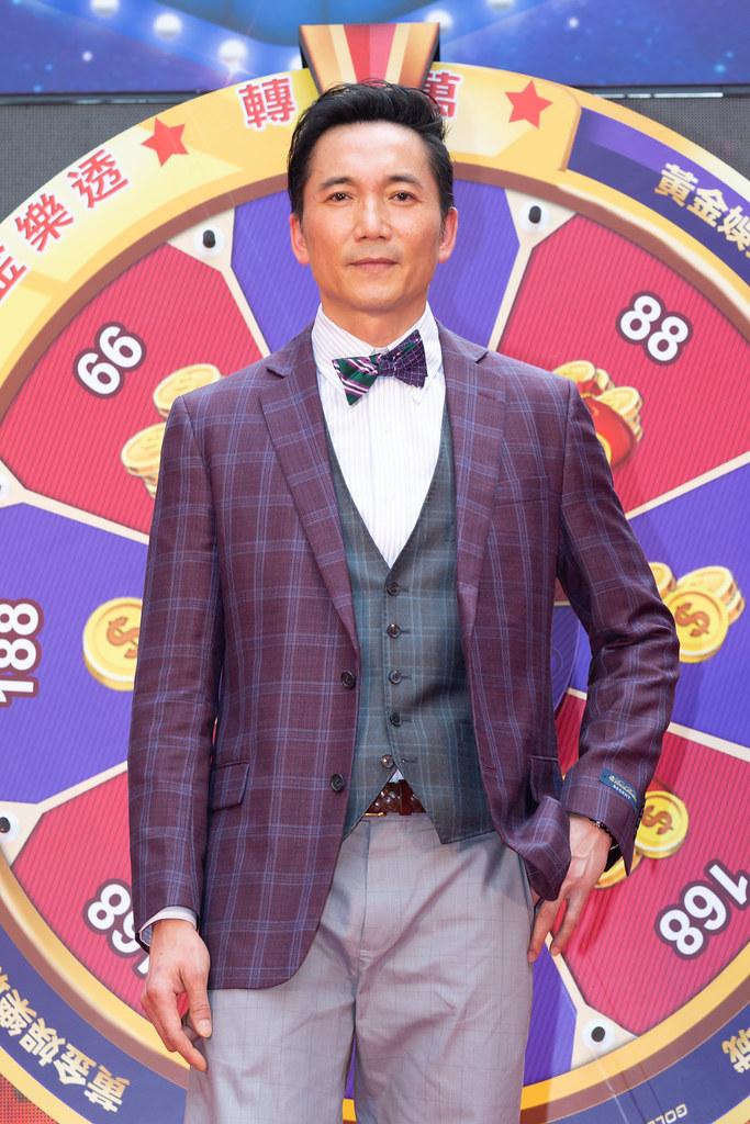 鄒兆龍代言手遊《黃金娛樂城》。今出席遊戲開服記者會。(黃金娛樂城提供)