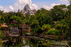 Peak of Everest (MarcStampfli) Tags: asia day disney disneysanimalkingdom florida nikond7500 themeparks vacationkingdom wdw waltdisneyworld