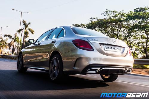 2019-Mercedes-C-300d-6