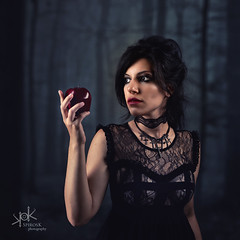 Ailiroy Portraits for The Witch Shop, by SpirosK photography: Will you take my apple? (SpirosK photography) Tags: ailiroy product jewel jewellery portrait studio photoshoot spiroskphotography catalogue fashion fashionphotoshoot model female woman sexy strobist witch apple