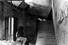 Scale in abbandono (Nicola Rigo) Tags: venezia foto bianco e nero black white fotografia anlogica abbandono silenzio scale degrado sedia luce ombre poveglia
