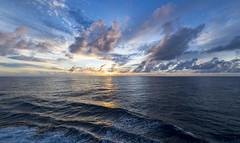 Sunrise in the Indian Ocean / Рассвет в Индийском океане /explore/2019/03/14/ (dmilokt) Tags: природа nature пейзаж landscape море sea закат рассвет восход sunset sunrise dmilokt d3 ins