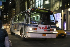 IMG_3882 (GojiMet86) Tags: mta nyc new york city bus buses 1999 t80206 rts 5216 m57 57th street madison avenue