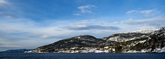 Sunny fjord (Wouter de Bruijn) Tags: fujifilm xt2 fujinonxf14mmf28r fjord sun snow winter nature landscape water sky blue clouds cold outdoor mountain mountains bergen hordaland norway norge rødnefjordcruise rødne fjordcruise cruise