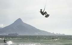 (Rob Millenaar) Tags: southafrica bloubergstrand dolphinbeach lionshead capetown kitesurfing