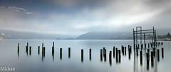 Défense en ligne (paul.porral) Tags: flickr ngc paysage paisaje landscape landschaft lake lacannecy alps poselongue longexposure winter water mountain sky misty mist clouds