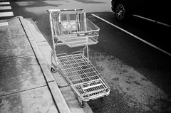 Shopping cart (Matthew Paul Argall) Tags: kodakstar500af 35mmfilm blackandwhite blackandwhitefilm ilforddelta100 100isofilm shoppingcart shoppingtrolley