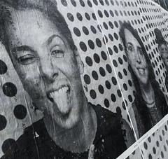 A wink to JR (jvasseur.ucp) Tags: jr street streetart print photo bw blackandwhite black white portrait miami littlehavana travel wall smile wink face girl smartphone p20 huawei