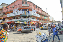 Wig market (Francisco Anzola) Tags: ghana accra africa city market buildings people shops stalls signs streetlife streetphotography street