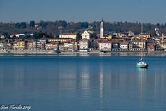 Calma di vento sul lago (Gian Floridia) Tags: arona lagomaggiore no barca barcaavela calma calmadivento lago lake reflexions riflessi sailingboat