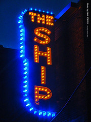 The Ship, West Bottoms, 3 Mar 2018 (photography.by.ROEVER) Tags: kc kcmo kansascity photography night nightphoto nightphotograph nightphotography march 2018 march2018 westbottoms theship bar cocktailbar sign neonsign missouri usa