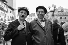 Stan & Ollie (Roberto Spagnoli) Tags: stanlaurel oliverhardy mask carnival carnevale biancoenero blackandwhite bw fotografiadistrada streetphotography posingphotography portrait ritratto comic couple