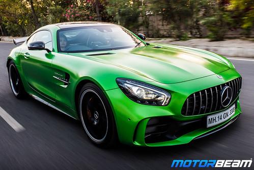 Mercedes-AMG-GT-R-26