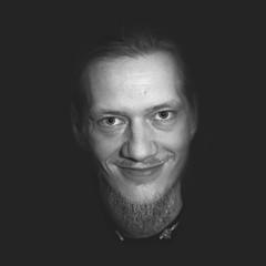 SELFIE 2019/Q2 (Thomas TRENZ) Tags: austria fotograf mann selfie thomas thomastrenz trenz vienna blackwhite coder men monochrome photographer portrait programmer programmierer schwarzweiss wien österreicher