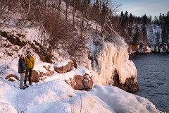 Sunrise on Lake Superior 20190104-_DSC1028 (Prairieworks Pictures) Tags: lakesuperior northshore stateparks tettegouchestatepark snow winter sony sonyalpha a7r3 zeiss loxia loxia250