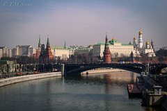 View of the Kremlin from Patriarchy Most (TMStorari) Tags: moscow mosca russia kremlin cremlino moscova river water sky bridge art buildings city capital moskau moskva worldicity beautiful cities città cityscapes cityscape travel travelling viaggiare viaggi voyageur landscape urban