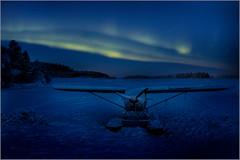 aurore sur un lac gelé (kalzennyg) Tags: lapland finland finlande kalzennyg nothernlights aurore boréale hiver winter plane
