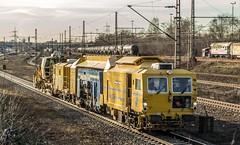 24_2019_02_14_Gelsenkirchen_Bismarck_9124_016_SPAG_Schotterplanier-_&_9123_023_SPAG_Schotterplaniermaschine_Staubschnecke ➡️ Herne_Abzw_Crange (ruhrpott.sprinter) Tags: ruhrpott sprinter deutschland germany allmangne nrw ruhrgebiet gelsenkirchen lokomotive locomotives eisenbahn railroad rail zug train reisezug passenger güter cargo freight fret bismarck db ccw de efm eh eloc hctor rpool pkpc spag 323 0077 0275 0632 1225 1265 1266 1275 3294 6145 6156 6185 6186 6189 6241 9123 9124 captrain ecr ell hectorrail lotos setg spitzke museumszug schrottzug logo natur outdoor graffiti wildgänse flugzeug sonnenuntergang airbus 380