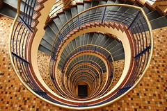 Brahmskontor (Elbmaedchen) Tags: staircase stairs stairwell kontorhaus hamburg treppenauge treppenhaus roundandround upanddownstairs interior brahmskontor