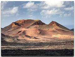 Parque nacional de Timanfaya, Lanzarote, Islas Canarias. (Carpinet.) Tags: timanfaya parque parquenatural parquenacional volcan volcanic landscape paisaje desierto canarias lanzarote olympus esolympus desert