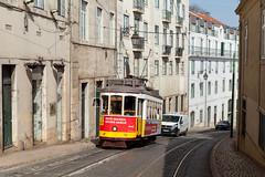 Steil, steiler... (trainspotter64) Tags: strasenbahn streetcar tram tramway tranvia tramvaj tramwaje carris portugal lissabon lisboa remodelado