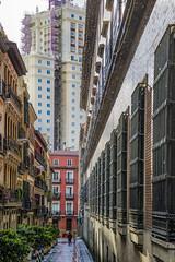 Llueve sobre mojado (*Nenuco) Tags: madrid lluvia calle street nikon d5300 nikkor 18105 edificios buildings jesúsmr