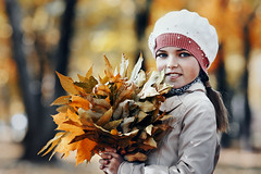 Girl and autumn (Unicorn.mod) Tags: 2018 colors portrait girl autumn leaves october canoneos6d canon canonef70200mmf28lisiiusm