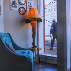 Window Lamp, 2/100X (clarkcg photography) Tags: pizza americanpie woodfirepizza entry frontwindow broadway muskogee oklahoma passerby sidewalk path streetphotography 100xthe2019edition 100x2019 image2100