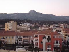 Aubagne et le Mont Garlaban (Vincentello) Tags: aubagne mont garlaban
