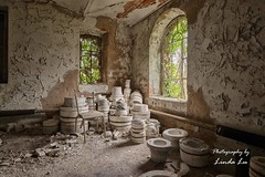 Pottery Wesp (Photography by Linda Lu) Tags: potterywesp urbex urban urbanexploring lostplacesfrance lost lostplace decay discarded
