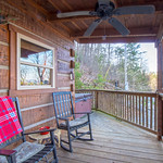 "Cabin in Gatlinburg, TN <a style=""margin-left:10px; font-size:0.8em;"" href=""http://www.flickr.com/photos/132885244@N07/33695553378/"" target=""_blank"">@flickr</a>"