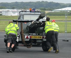 VRT volunteers assist with positioning the Royal Artillery Association (RAA) Gun at Southend Airport 17.06.18 (Trevor Bruford) Tags: vrt vulcan restoration trust xl426 southend airport avro nuclear bomber cold war plane jet aircraft airplane aviation raf tin triangle delta lady royal air force gun shoeburyness branch artillery association raa volunteers