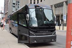 Autocar La Capitale 1013 (apta_2050) Tags: autocarjeannoise autocarlacapitale motorcoachindustries mci j4500 motorcoach cityhall toronto ontario