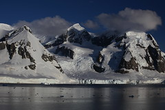 IMG_6867 (y.awanohara) Tags: cuvervilleisland cuverville antarctica antarcticpeninsula icebergs glaciers blue january2019