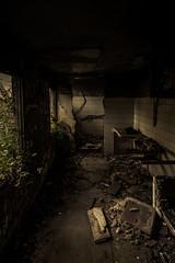 Cocina tenebrosa. (Ricardo Pallejá) Tags: urbex nikon d500 tokina1116 sombras shades decay abandono abandoned architecture old monocromático new urban urbanexploration urbandecay ruinas