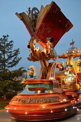 Mickey, Daisy and Goofy (CoasterMadMatt) Tags: parcdisneyland2018 parcdisneyland disneylandpark2018 disneylandpark parc disneyland park parcdesthèmes parcdthèmes parcdamuse parcdattractions amuse thèmes themepark amusementpark theme amusement parks parcsàthèmefrançais frenchthemeparks disneystarsonparade disney stars parade mickeymouse daisyduck goofy dingo mickey mouse daisy duck lumières lights éclairé illuminé illumination illuminated atnight lanuit disneythemeparks disneylandparis eurodisney paris marnelavallée îledefrance france f leurope europe december2018 winter2018 december winter 2018 coastermadmattphotography coastermadmatt photography photos photographs nikond3200