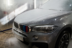 IMG_1325 (Blongman) Tags: auto car vl japan bmw toyota x6m carwash wash water russia 7d