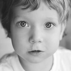 DSC_0535 (natalia strzelczyk) Tags: kids kidsphotography kidsphoto nikon nikkor nikond5200 bw blackandwhite portrait eyes light