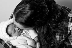 Melody & Chloé (Garry Shu) Tags: france french mother daughter mère fille newborn baby bébé woman beauty beautiful cute cutie love amour beau belle beauté nb bw noirblanc blackwhite art instagram nikon d750 nikond750 nikkor 85mm portrait light lumière blackandwhite