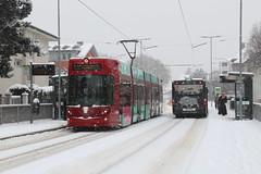 2019-01-26, Innsbruck, Mitterhoferstrasse (Fototak) Tags: tram strassenbahn autobus bus mercedes citaro bombardier flexity innsbruck austria ivb ligner ligne2 316 895