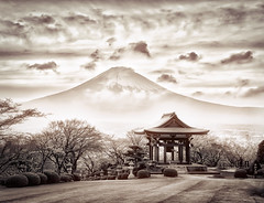 Japan Ideas... (Trey Ratcliff) Tags: japan ratcliff stuckincustoms stuckincustomscom trey treyratcliff mountfuji tokyo monochrome culture clouds travel mountain