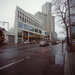 Berlin City West 2.2.2019 Kantstraße (rieblinga) Tags: berlin city west zoo primax hotel hochhaus kantstrase 222019 analog rollei 6008 fuji rdp ii diafilm e6