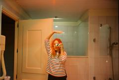 (Bárbara Lanzat) Tags: 35mm film analog mjuii olympusmjuii kodak200 colorplus200 selfportrait mju2 filmisnotdead ishootfilm bárbaralanzat