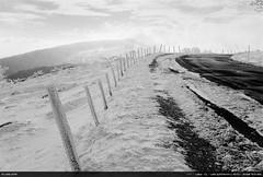 2/52 : Salève (Ludtz) Tags: ludtz leica leitz leicacl wetzlar film negative analog kodak kodaktrix400 télémétrique rangefinder noirblanc bw summicronc40|2 summicron cloudsstormssunsetssunrises hiver winter mountain montagne mountains montagnes salève 74 gel froid frozen cold neige snow