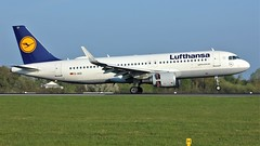 D-AIUI (AnDyMHoLdEn) Tags: lufthansa lufthansagroup a320 staralliance egcc airport manchester manchesterairport 05r