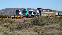 0406 Güterzug vor - freight trains north of; Port Augusta (roving_spirits) Tags: australia australien australie southaustralia