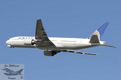 United Airlines Boeing B777-222 ER (jonny4x4uk) Tags: airbus boeing dreamliner a350 a320 a340 a380 a321 a319 aerlingus virginatlantic americanairlines b787 b747 b737 b777 a330 b757 landor britishairways ba speedbird deltaairlines oneworld retro lot unitedairlines airnewzealand aeroflot max8 cathaypacific thaiairlines airmalta qantas turkishairlines aircanada boac mea middleeastairways aegean srilankan alitalia neo bea airserbia airindia malaysiaairlines dhl cargo jetairways ana singaporeairlines saudia airchina airastrana gulfair koreanair airbridgecargo abc tunisair bulgarianairlines pia pakistaninternationalairlines qatar freighter airfreight heathrow lhr london egll airport avgeet 27r 27l 09r