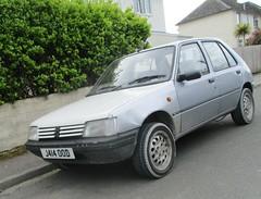 1992 Peugeot 205 GLD (occama) Tags: 414 ood 1992 peugeot 205 gld silver old french car cornwall uk bangernomics