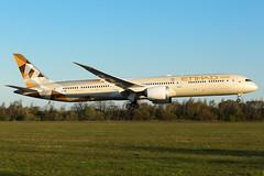 A6-BMB | B78X | ETIHAD | EGCC (Ashley Stevens images) Tags: manchester airport egcc man canon eos aircraft aeroplane aviation civil airplane a6bmb