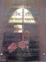 Bonnyrigg Parish Church (Edinburgh Charlie) Tags: bonnyrigg ww2 ww1 war warmemorial midlothian